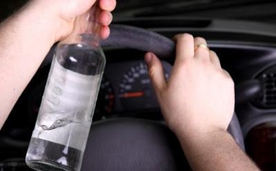 Λάρισα: Μεθυσμένος νεαρός πρόλαβε και τράκαρε 15 αυτοκίνητα!!