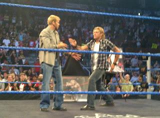 WWE تكرم المصارع الأسطوري إيدج في سماك داون...شاهد الصور  900