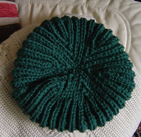 Free Knitting Pattern Beret Straight Needles : KNITTED BERETS PATTERNS 1000 Free Patterns