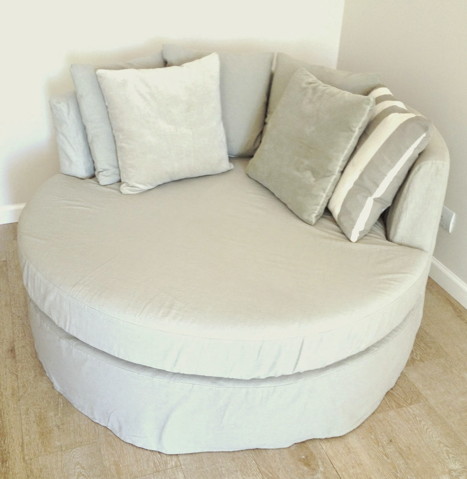 alma deco buenos aires sill n ine alma deco 2015. Black Bedroom Furniture Sets. Home Design Ideas