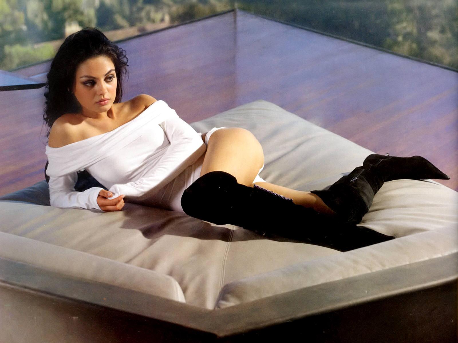 best-hot-sexy-Mila-Kunis-wallpaper-22.jpg (1600×1200)