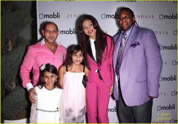 Zendaya Coleman Real Family Conviviendo con las es...