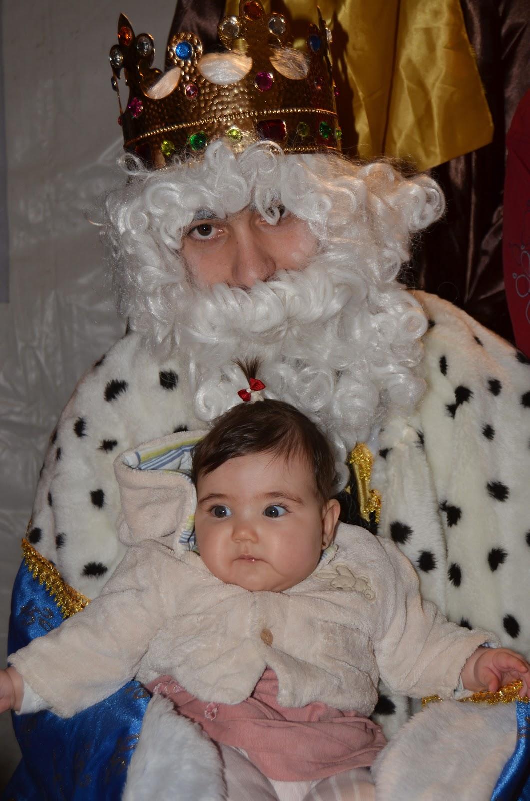 (En la foto: La pequeña Paula en su primer noche de Reyes)