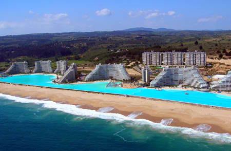 ... has been attracting both locals and tourists to the San Alfonso Del Mar  resort at Algarrobo, which lies on Chile's southern coastline. The pool  relies ...