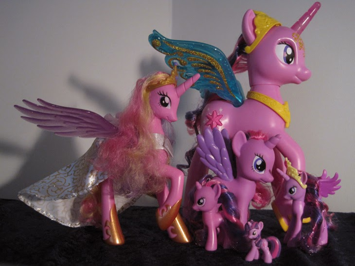 My Little Pony Talking Princess Twilight Sparkle's size compared with other MLP toys.
