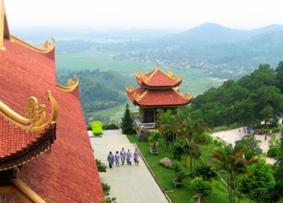 Cho thuê xe 16 chỗ đi Thiền viện trúc lâm Tây thiên
