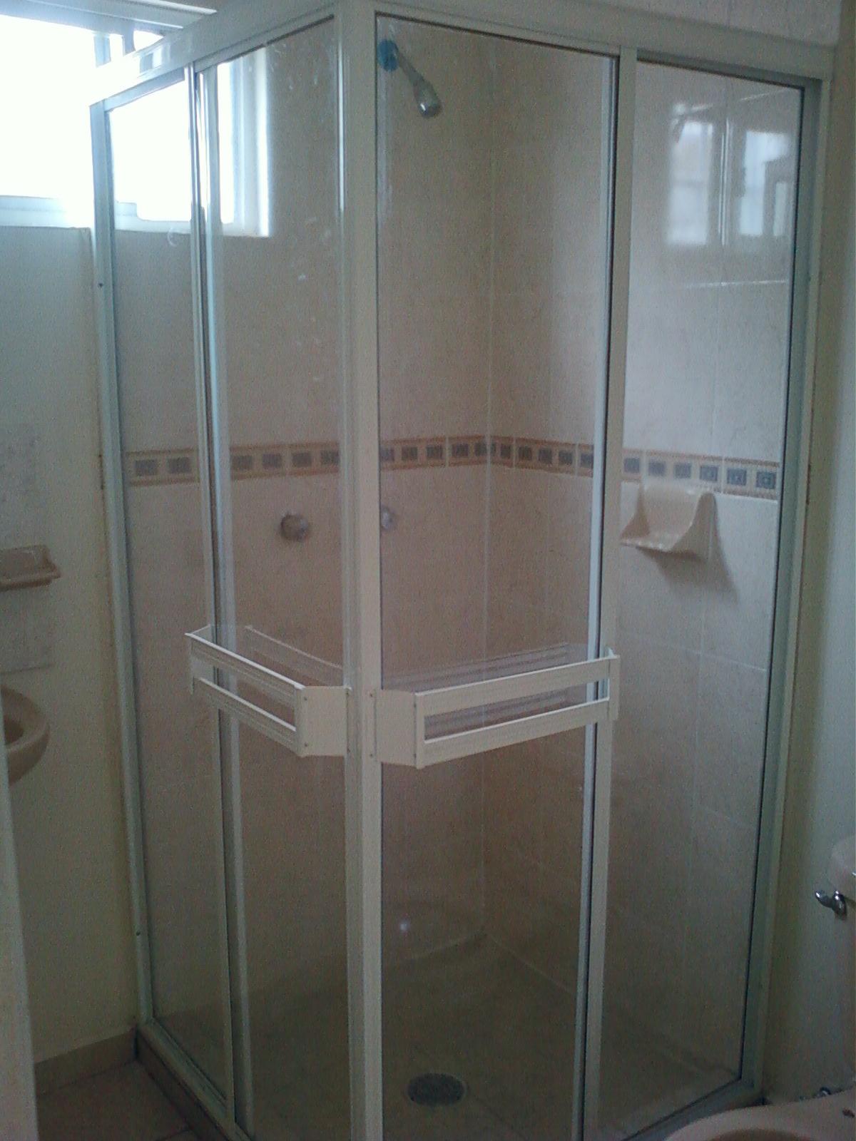 Imagenes De Baños Residenciales:aluminio y vidrio del Río: Cancel de baño
