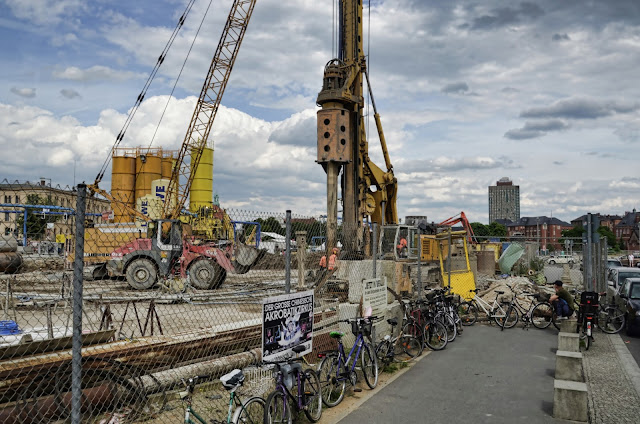 Baustelle Hauptbahnhof, Bohrungen für 50 Meter tiefe Betonfundamente, Europaplatz 1, 10551 Berlin, 15.06.2013