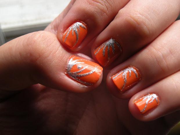 laura's nail art orange nails