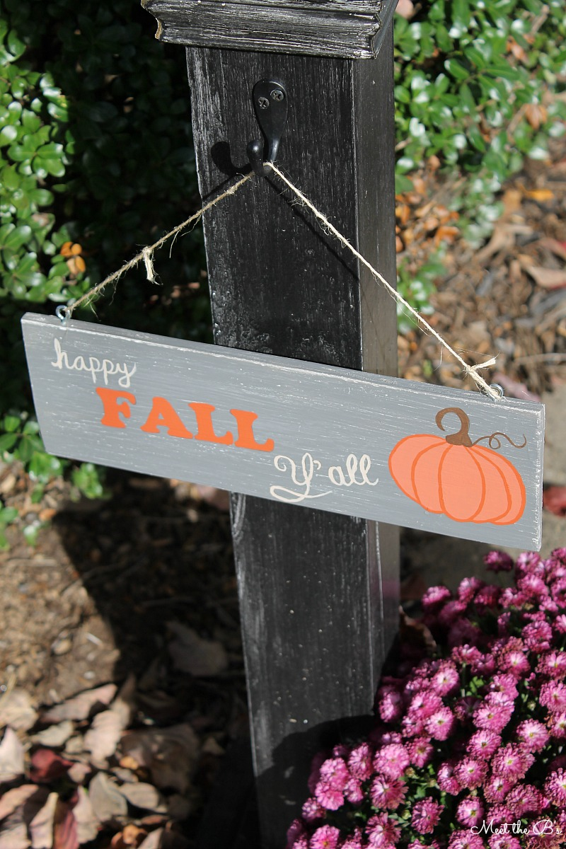 DIY Happy Fall Y'all Painted Sign
