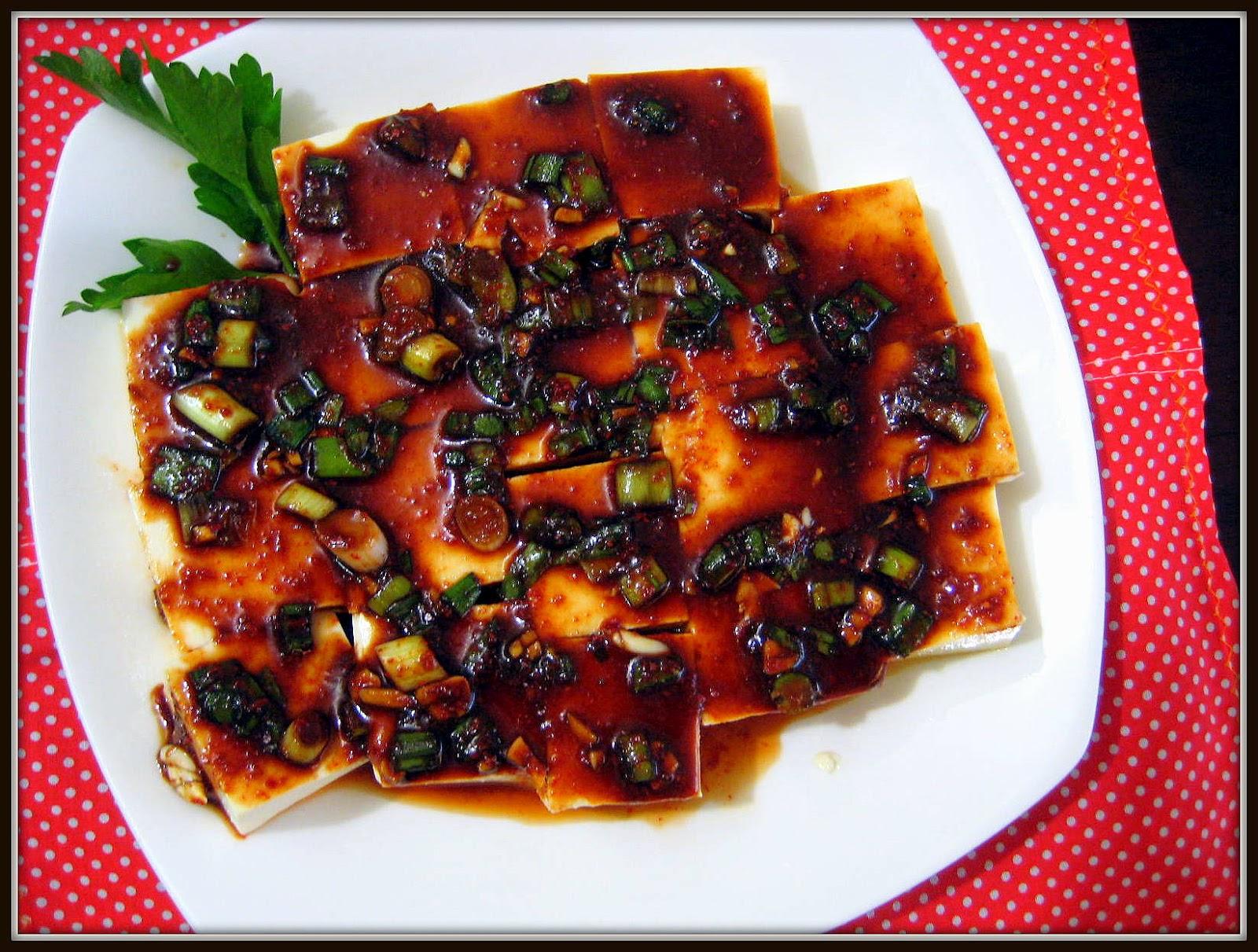 Food Tastes Yummy: KOREAN WARM TOFU WITH A SPICY SOY-GARLIC SAUCE