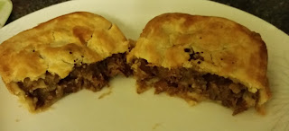 Dee's Pies Peppered Steak Pie Review