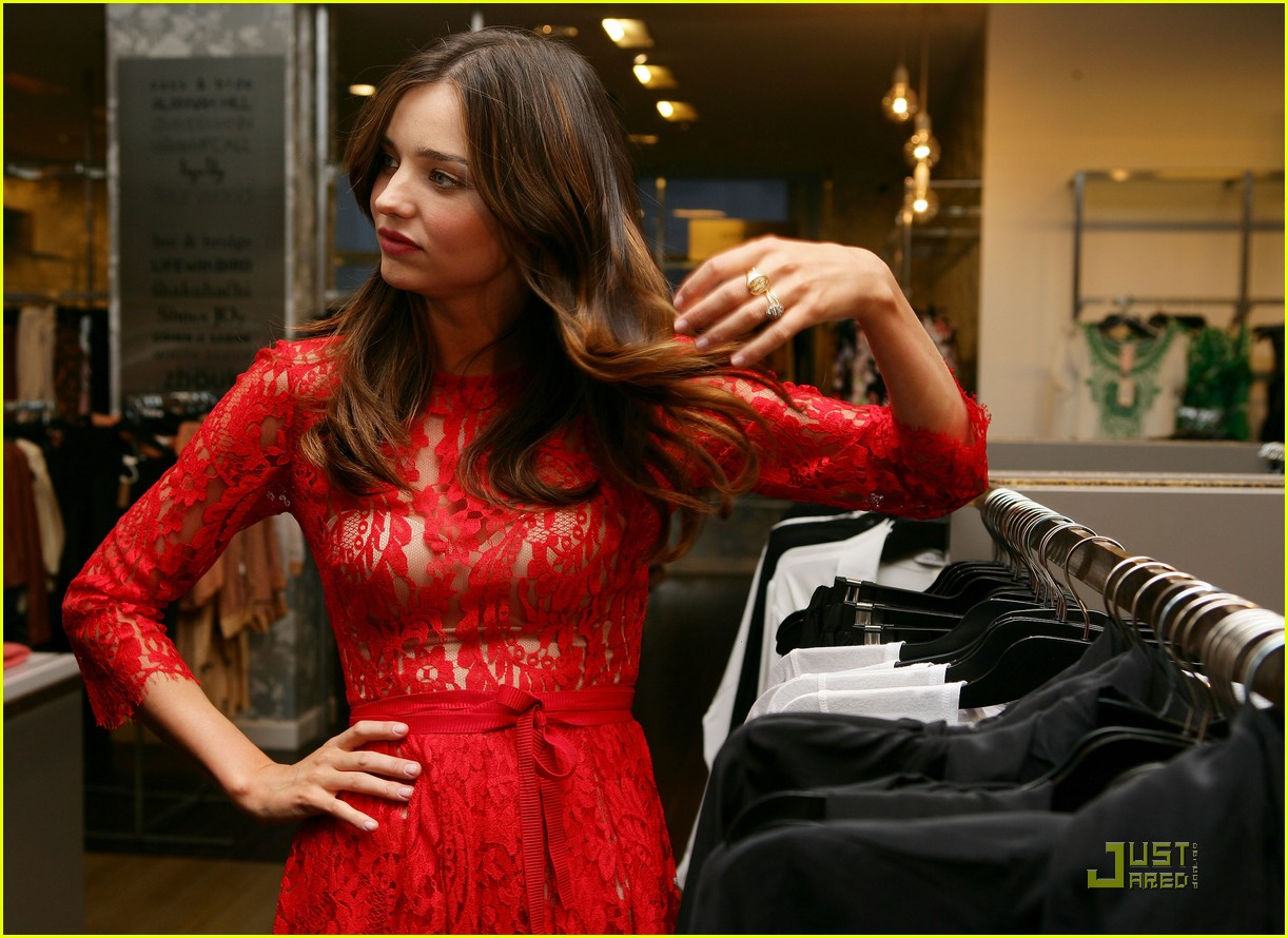 http://4.bp.blogspot.com/-oPLUkEDz2UM/TjH8du0ir_I/AAAAAAAAAV0/42IjDCk_0y0/s1600/miranda-kerr-announces-60-new-brands-for-david-jones-12.jpg