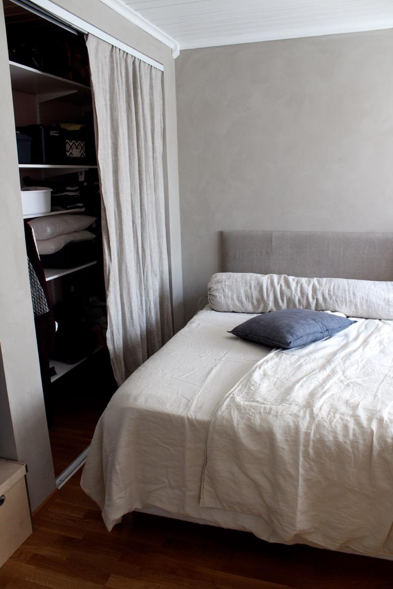 pellavainen sängynpääty