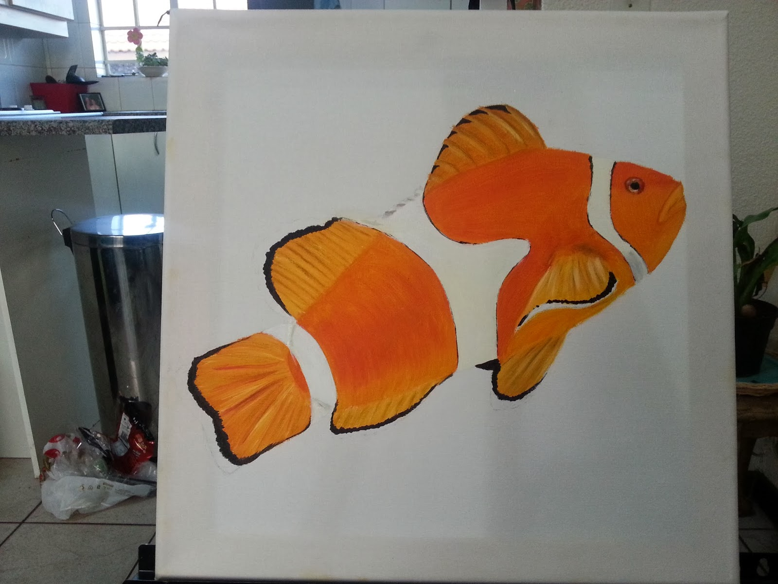 How to paint a clown fish 4