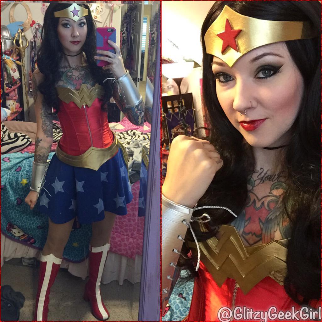 Thursday June 25 2015  sc 1 st  Glitzy Geek Girl & OMGLITZY: Tutorial: Wonder Woman Cosplay Costume