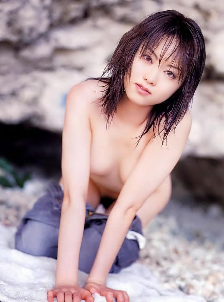 akiho yoshizawa stripping naked pics 03
