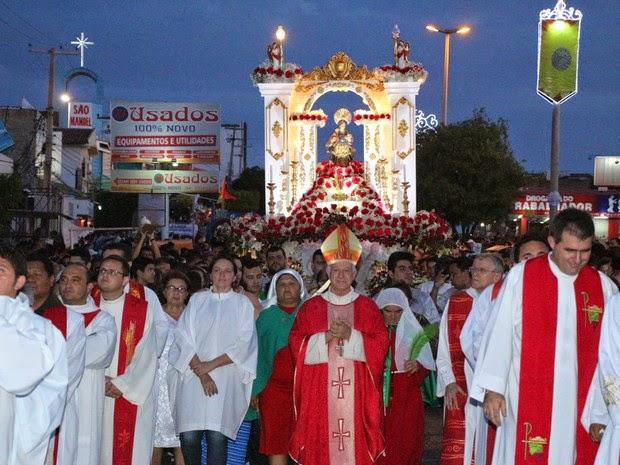 Procissão de Santa Luzia reúne 200 mil fiéis em Mossoró