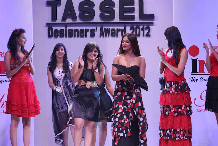 neetu chandra at the tel designers awards 2012 by inifd. actress pics