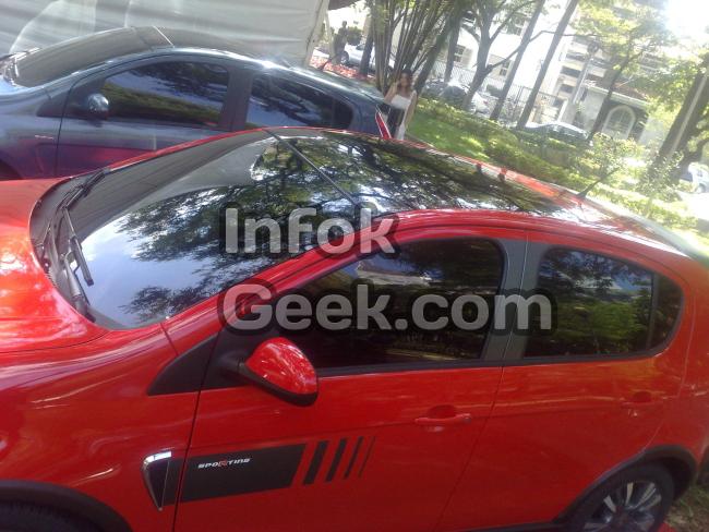 Nuevo Fiat Palio con techo solar corredizo panoramico