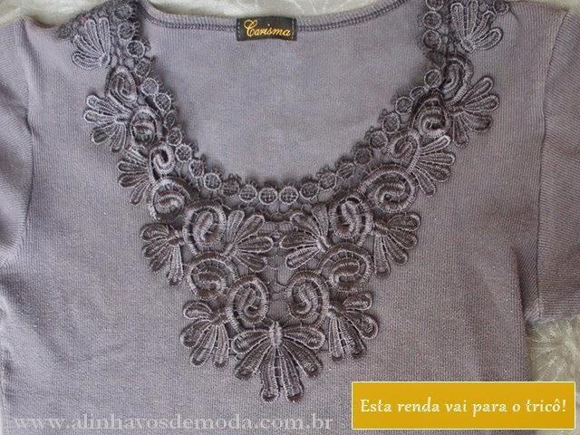 Detalhe da renda bonita de blusa de malha antiga.
