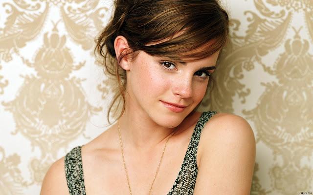 Emma Watson Cute HD Wallpaper