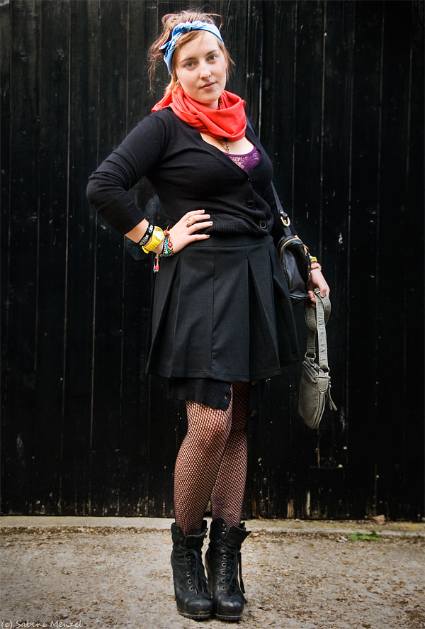 Psynopsis Abi in Matalan Cardigan Leggings Skirt and Bag Ash Boots