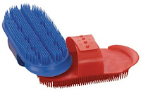 horse grooming: curry combs