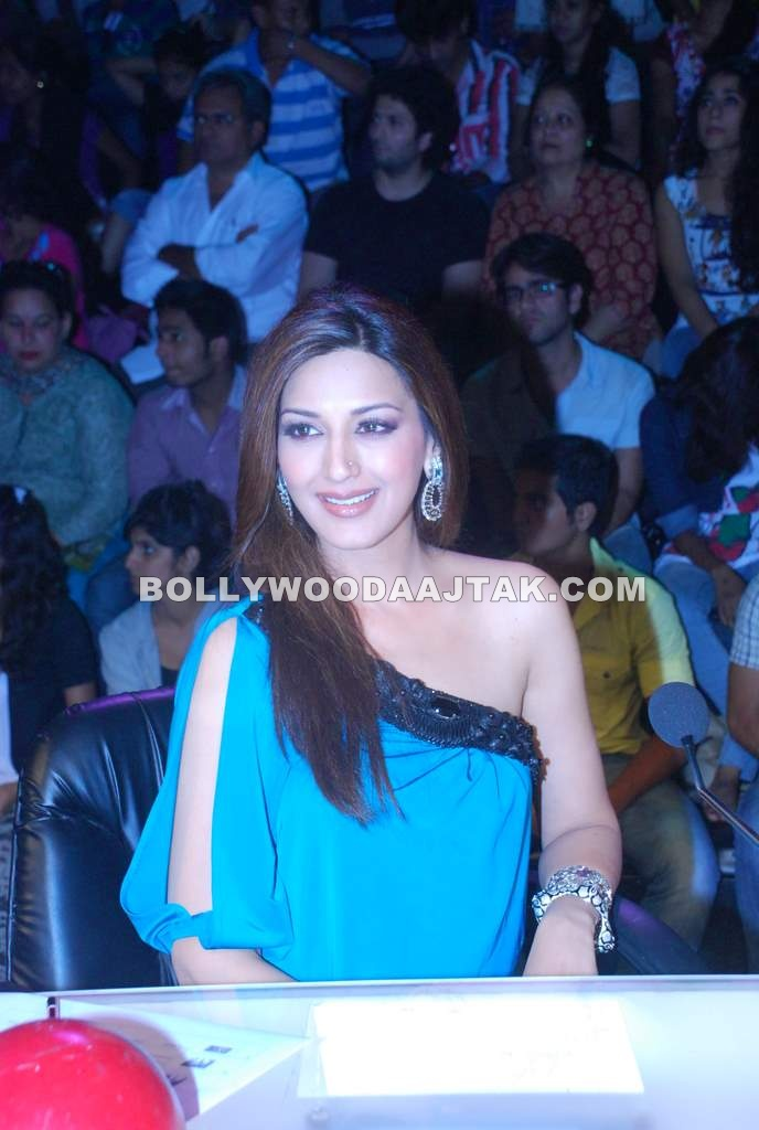 Beautiful Sonali Bendre Visit @ IGT