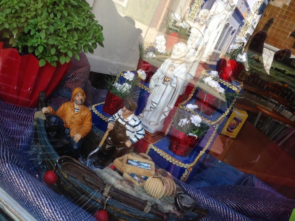 quien no vive la fiestas de los santos populares en portugal realmente no conoce la esencia del pas vecino la festividad que se celebra durante todo el