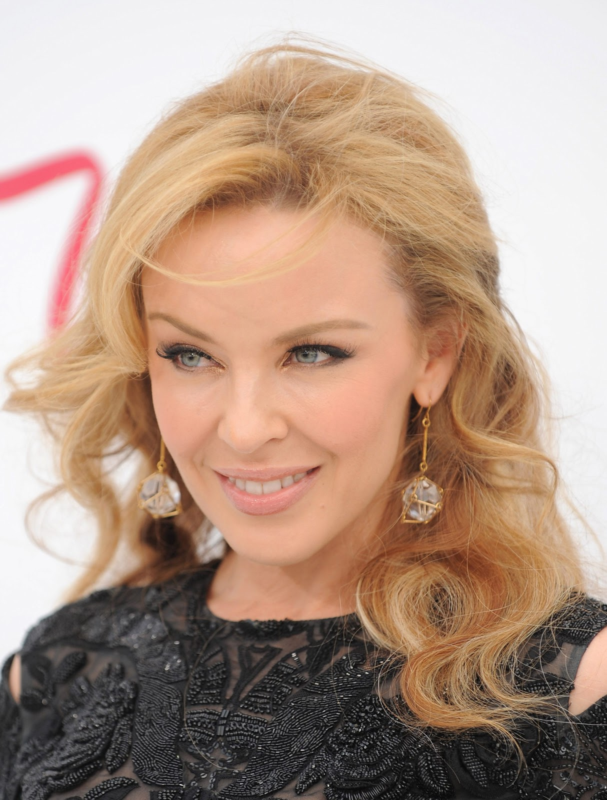 Kylie Minogue Yeni Sari Saç Modelleri 2014 Modasi Bayan Saç