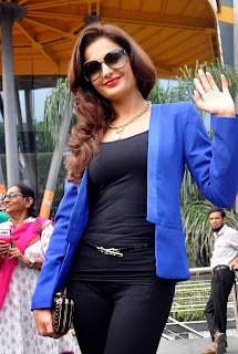 Monika Bedi Looks Beautiful in Blue Jacket at Inauguration Of Glamazon Salon In Kolkata