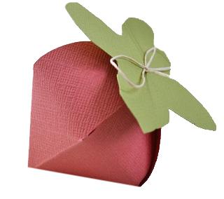 DIY Paper Strawberry on Paper Scrapz