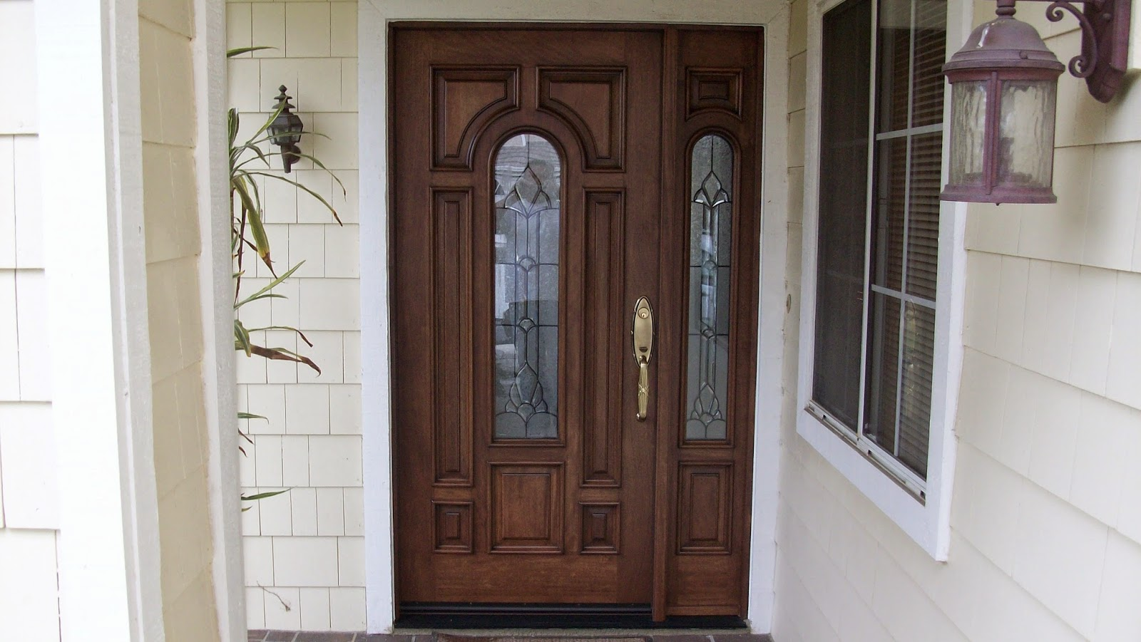5 front entry doors with sidelights ideas instant knowledge for Exterior side entry doors