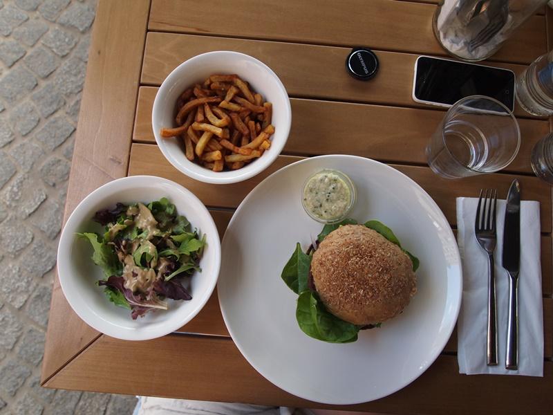 Beet, restaurant, Luxembourg, Beet Luxembourg, Beet Luxemburg, vegan, vegetarian, vegan burger, vegan burgers, vegetarian burger, vegetarian burgers, burger, burgers, veggie, vegan eats