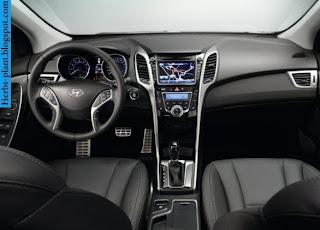 Hyundai i30 car dashboard - صور تابلوه سيارة هيونداى i30