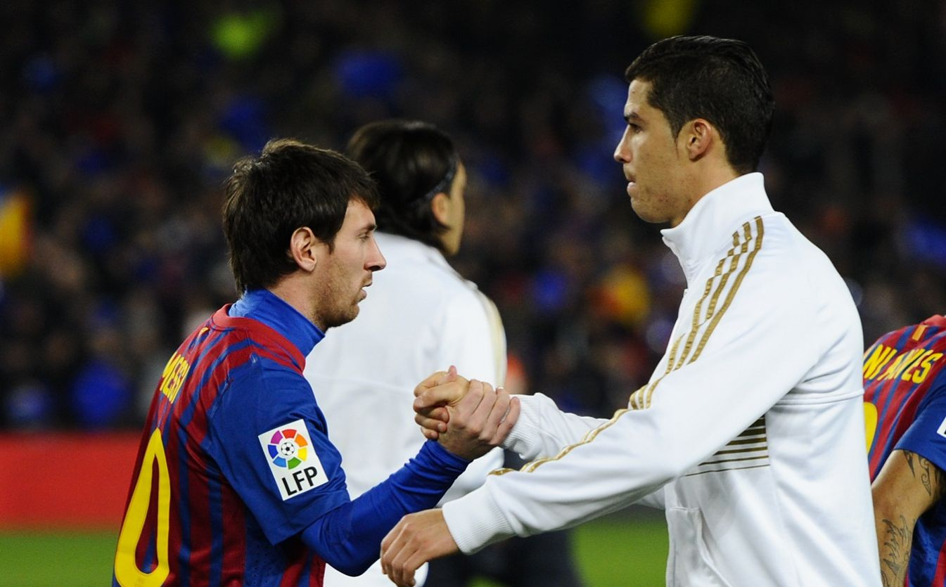 http://4.bp.blogspot.com/-oRiscCZZauo/UPxsqasv4CI/AAAAAAAAAIA/9pIOuhVfwJw/s1600/messi-cristiano-ronaldo-to-superman-the-greatest-of-football-like-kryponite-modern-rivalry-behind-the-story-59834.jpg