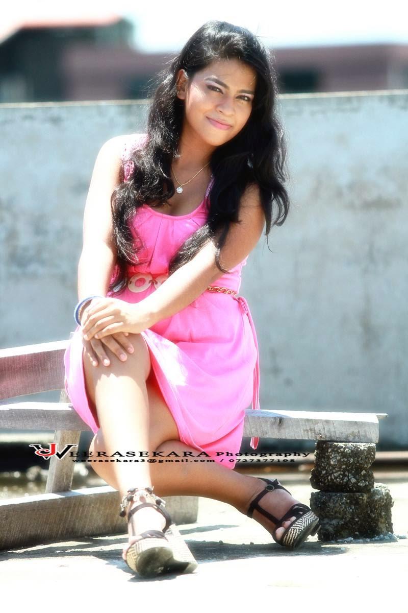 Maashi Hewage pink legs