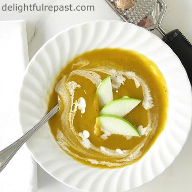 Butternut Squash Soup / www.delightfulrepast.com