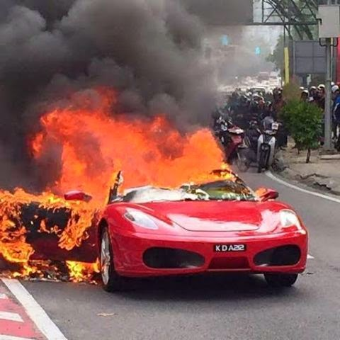Ferrari burned to the ground in Malaysia 1