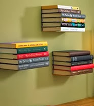 http://1000manualidades.com/repisas-flotantes-con-libros/