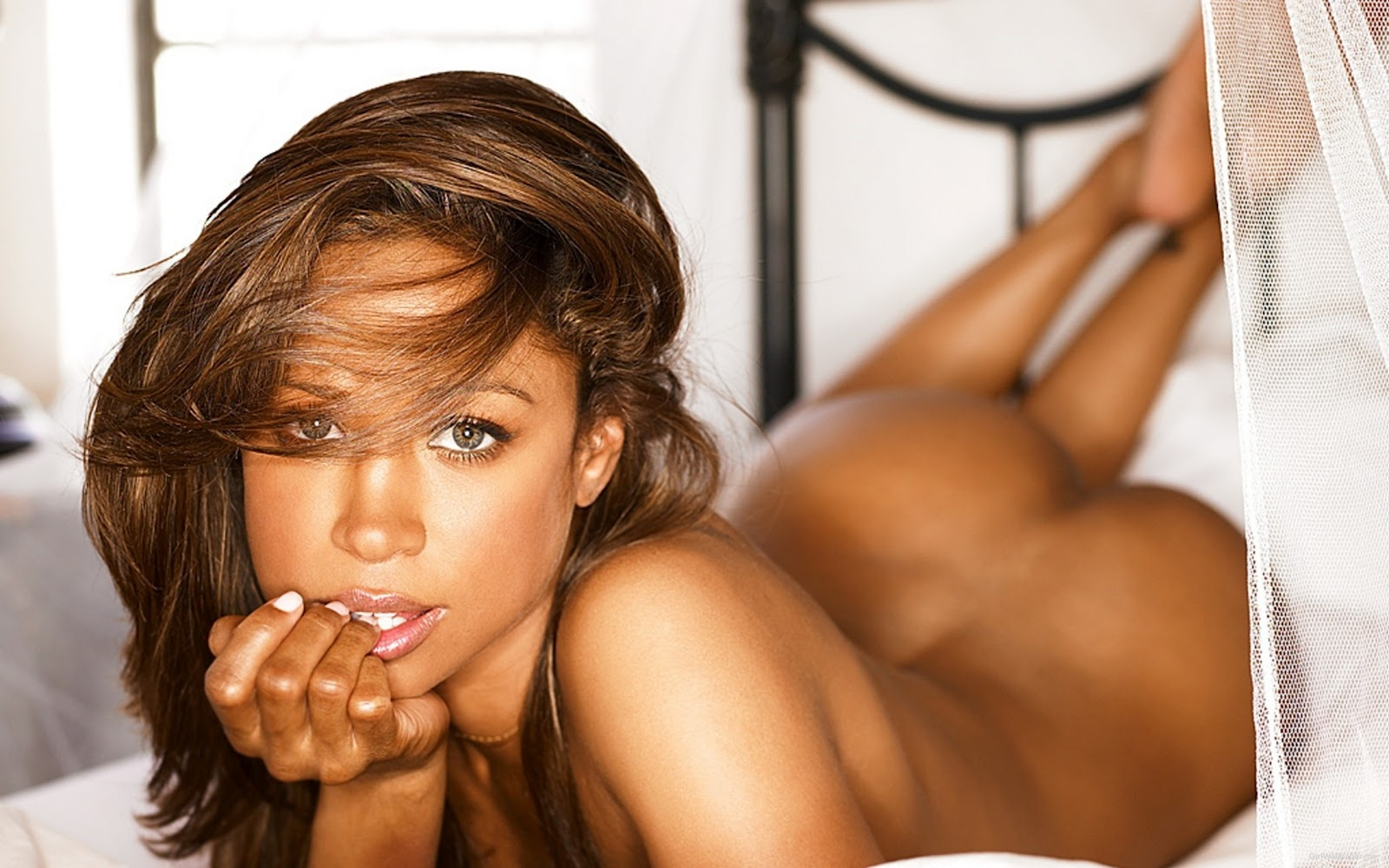http://4.bp.blogspot.com/-oSCbNI3NKuA/T2GzM9S7hQI/AAAAAAAAV-I/Trq9eB5kDo4/s1600/Sexy-Stacey-Dash-2560x1600-24258.jpg