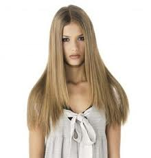 Coupe sur cheveux long et raide