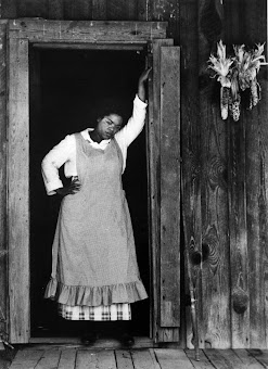 OPRAH WINFREY as SOFIA in THE COLOR PURPLE