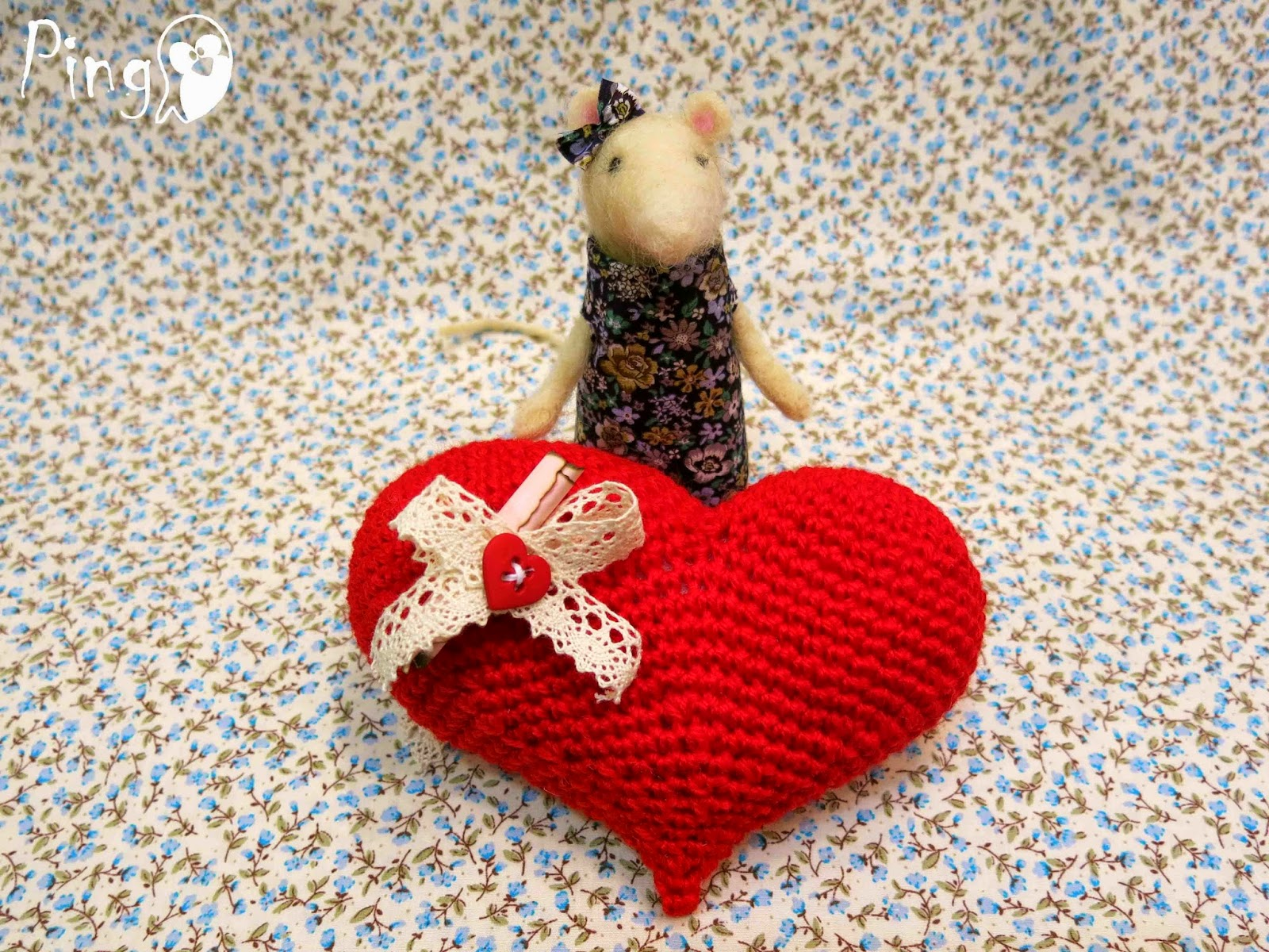 crochet heart pattern by Pingo - The Pink Penguin