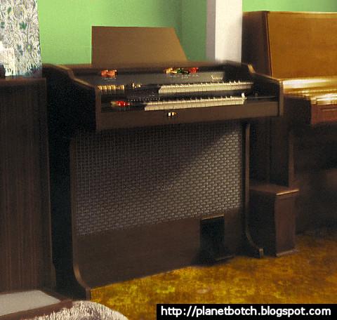 1980 Bontempi B370 dual manual home organ
