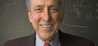 Biografi Robert Dennard     Pada tahun 1966 Dennard adalah anggota dari tim IBM melakukan penelitian pada sel memori enam transistor, dan dia pikir harus ada metode sederhana untuk membangun memori dalam teknologi ini. Solusinya berkembang sebagai transistor efek medan tunggal yang melakukan pembacaan dan penulisan informasi yang disimpan sebagai muatan listrik pada kapasitor, sekarang dikenal sebagai sel DRAM. DRAM kemudian di patenkan pada tahun 1968,. Dennard juga termasuk orang pertama untuk mengenali potensi yang luar biasa dari perampingan MOSFET. Teori scaling ia dan rekan-rekannya dirumuskan pada tahun 1974 pada dasarnya mengamati bahwa MOSFET akan terus berfungsi sebagai saklar tegangan yang dikendalikan sementara semua tokoh kunci seperti kepadatan jasa tata letak, kecepatan operasi, dan efisiensi energi akan meningkatkan disediakan dimensi geometris, tegangan, dan doping konsentrasi yang konsisten bersisik seperti untuk mempertahankan medan listrik yang sama. Properti ini mendasari Hukum Moore yang ditemukan oleh Robert Moore Pendiri Intel dan evolusi mikroelektronik selama beberapa dekade terakhir.  Dari Sinilah kemudian RAM atau Random Access Memory mulai dikembangkan, RAM (Random Access Memory) disebut memory pada PC, sebetulnya mengacu pada RAM (Random Access Memory). sebuah komputer membutuhkan RAM untuk menyimpan data dan instruksi yang dibutuhkan untuk  menyelesaikan sebuah perintah (task). Data ataupun instruksi yang yang didedikasikan khusus untuk menyimpan data yang tidak tertampung dari RAM. Bagian khusus pada harddisk yang didedikasikan khusus ini disebut sebagai virtual memory. Paging file atau juga dikenal sebagai swapfile pada operating system Windows adalah salah satu contoh dari virtual memory.  Jika paging file sering diakses, maka akan sangat signifikan menurunkan kinerja PC. Sebagai lustrasi, CPU hanya membutuhkan waktu 200 ns (nano second) untuk mengakses data pada RAM. Sedangkan untuk mengakses virtual memory pada harddisk, CPU akan 