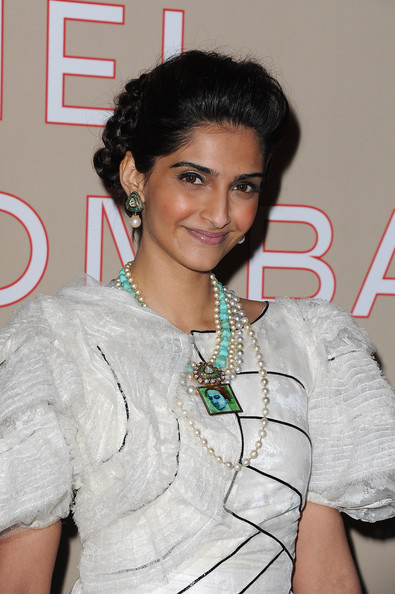 sonamfreida at chanel paris-bombay actress pics