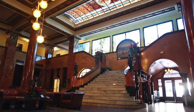 Sensasi Menginap di Hotel Berhantu