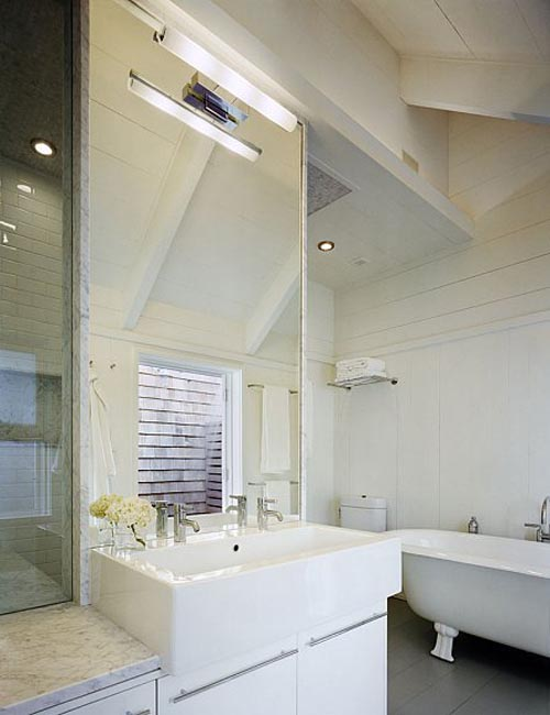 Interior style lake house in new york enter your blog for Bathroom 9 foot ceiling